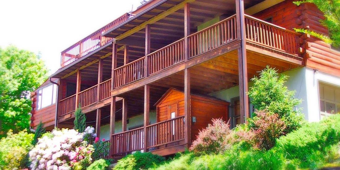 Avondale Cabin Rental decks Asheville Mountain Cabin