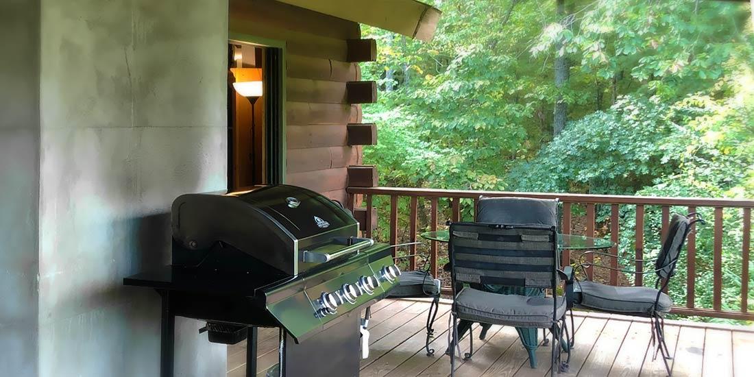 Avondale Cabin Rental deck