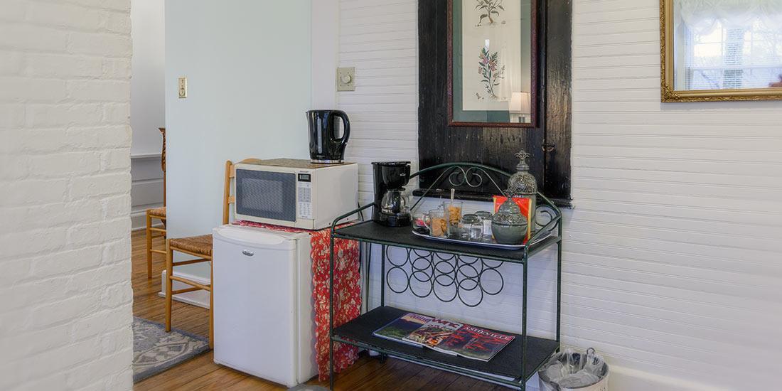 Garden Room fridge and microwave