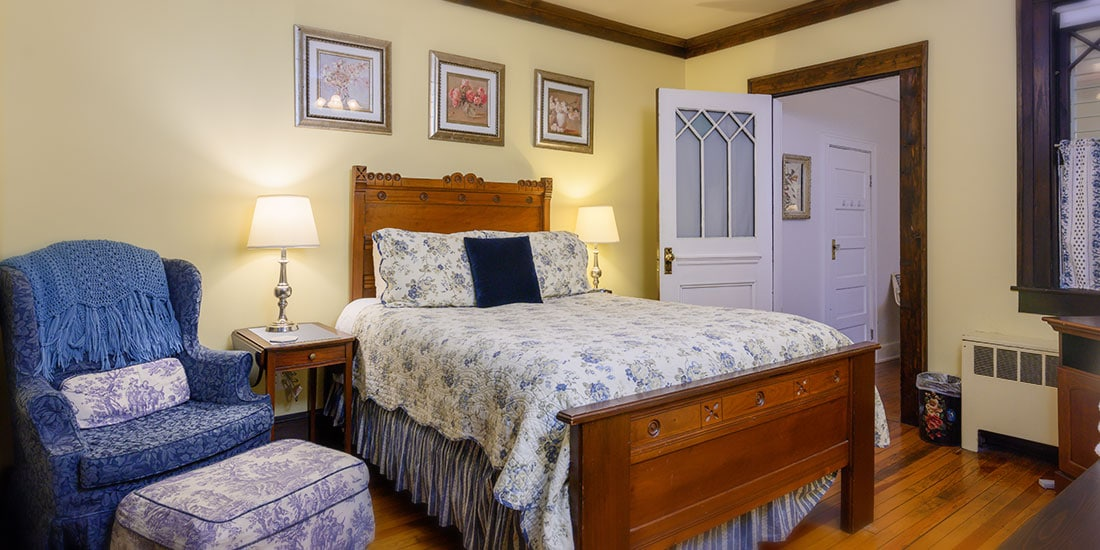 Dogwood Suite bed